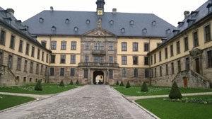 Das Fuldaer Stadtschloss – früher Sitz von Fürstäbten, Fürstbischöfen und Kurfürsten, heute von Rat und Magistrat der Stadt Fulda.